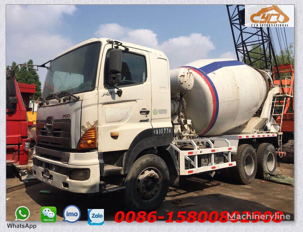 HINO 700 kamion s mješalicom za beton