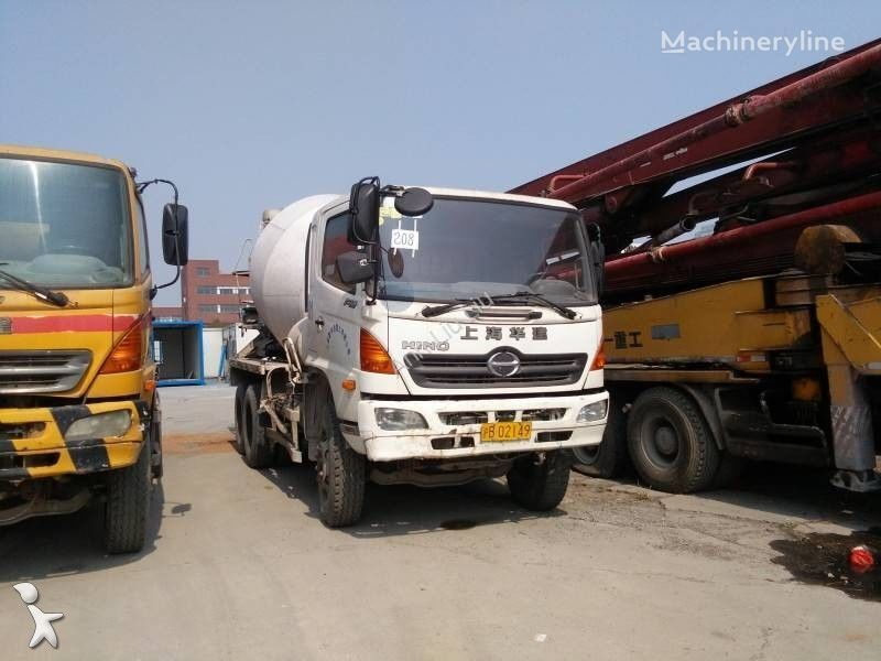 ISUZU CYZ kamion s mješalicom za beton