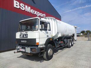 IVECO 330-30, 6x4, 26000 liter, JET A-1 autocisterna za gorivo