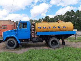 ZIL 433362 autocisterna za mlijeko