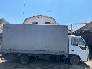 ISUZU NkR55 kamion s ceradom