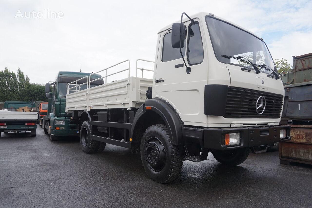 MERCEDES-BENZ 1017 4x4 kamion s ravnom platformom