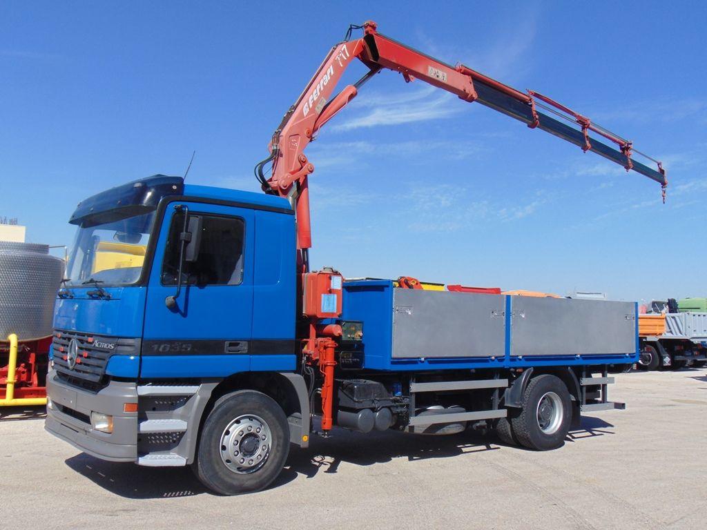 MERCEDES-BENZ 1835 ACTROS kamion s ravnom platformom