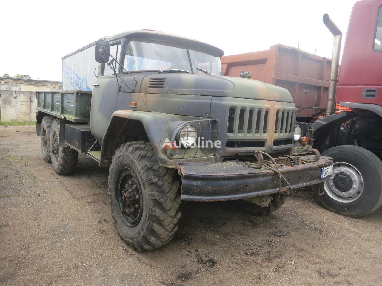 ZIL 131 kamion s ravnom platformom