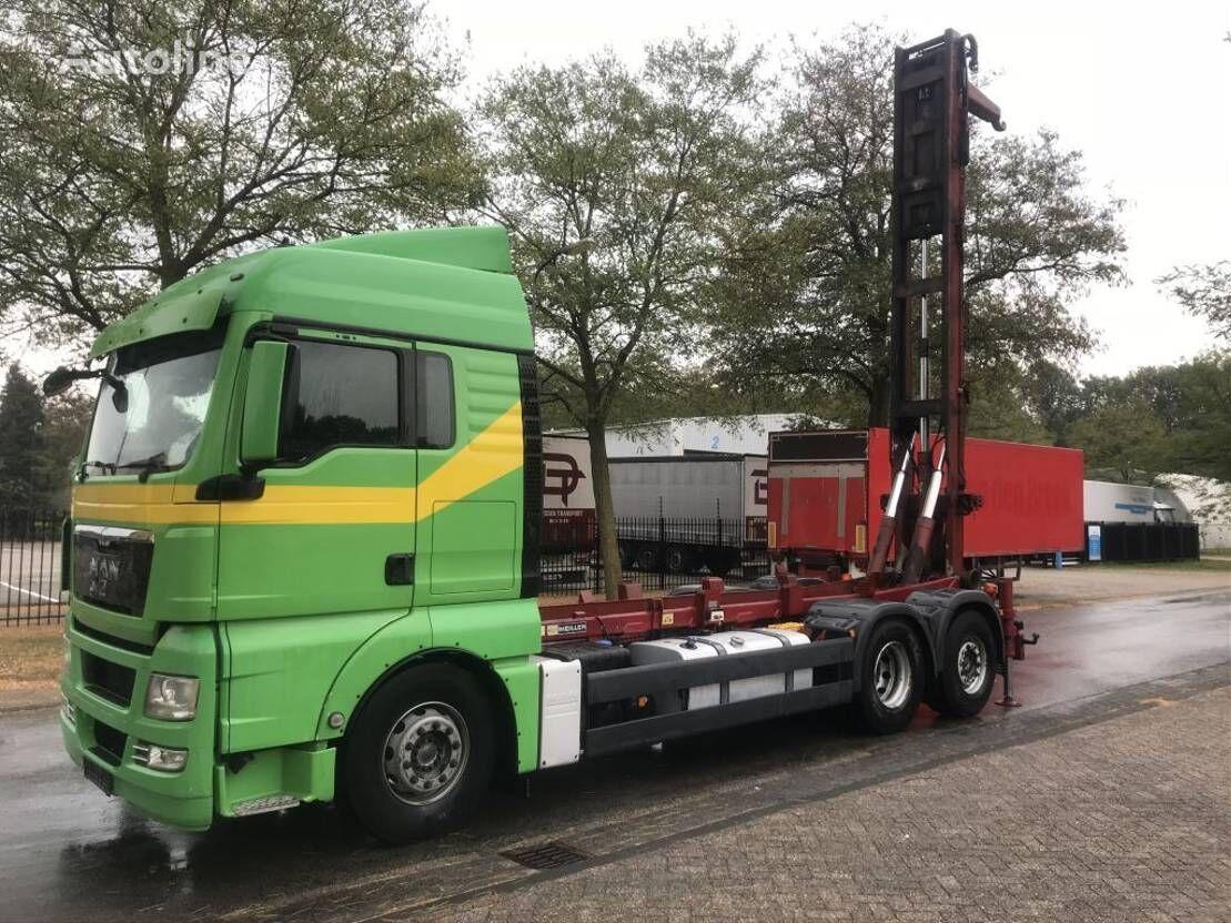 MAN 26-440 kamion sa kukom za podizanje tereta