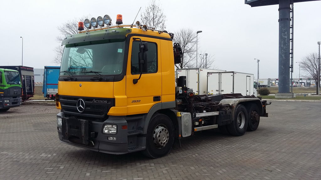 MERCEDES-BENZ 2532 ACTROS HIAB 085 ABROL kamion sa kukom za podizanje tereta