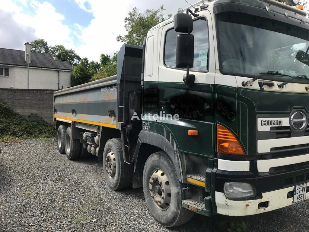 HINO 700 kamion za prijevoz zrna