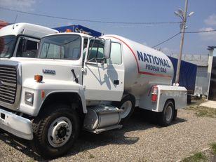 FORD l8000 kamion za transport gasa