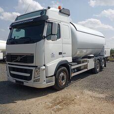 VOLVO 500 kamion za transport gasa
