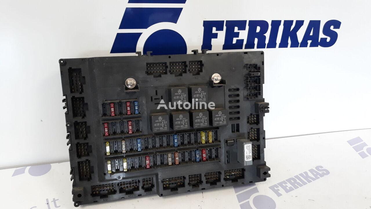 kutija s osiguračima za MERCEDES-BENZ Actros MP4 tegljača