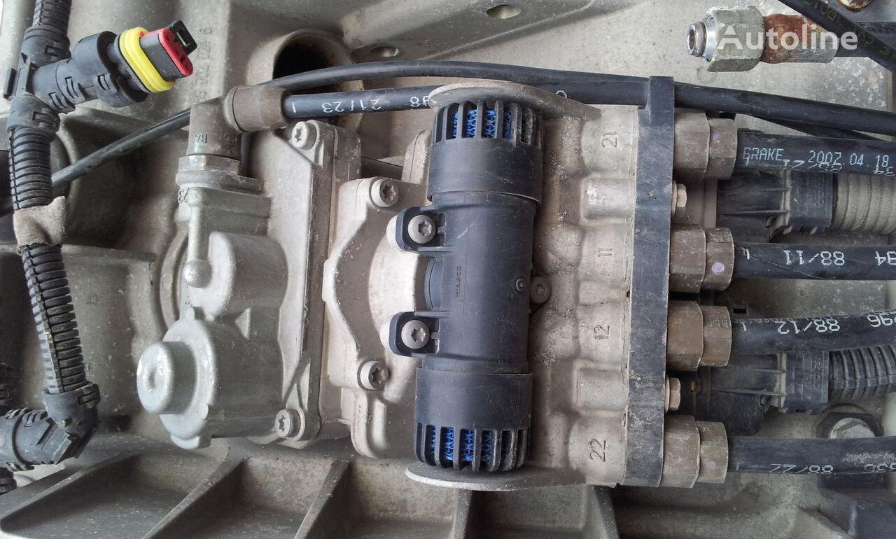 IVECO STRALIS EURO5, brake valve. brake plate valve EBS control 480020 pneumatski ventil za IVECO Stralis tegljača